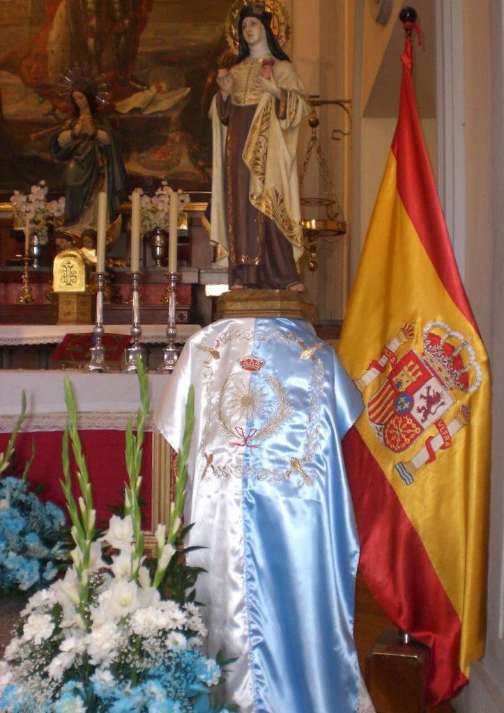 Preciosa imagen de Santa Teresa de Jesús