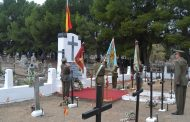 El Ejército de Tierra rinde homenaje a los fallecidos en el servicio a España en el cementerio zaragozano de Torrero
