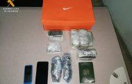 La Guardia Civil localiza casi 3 kilogramos de hachís en la maleta de un pasajero de autobús
