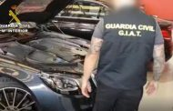 La Guardia Civil desmantela un entramado dedicado a la compraventa de vehículos de lujo.