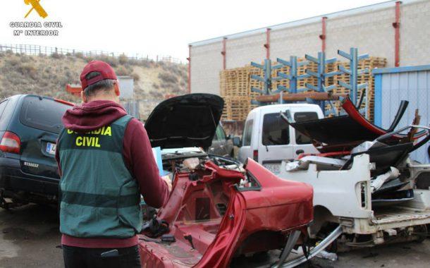 La Guardia Civil desmantela un taller ilegal de reparación y venta de vehículos en la localidad de Épila