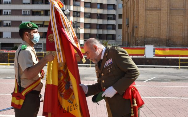 El general Óscar Lamsfus se despide de la Brigada Logística